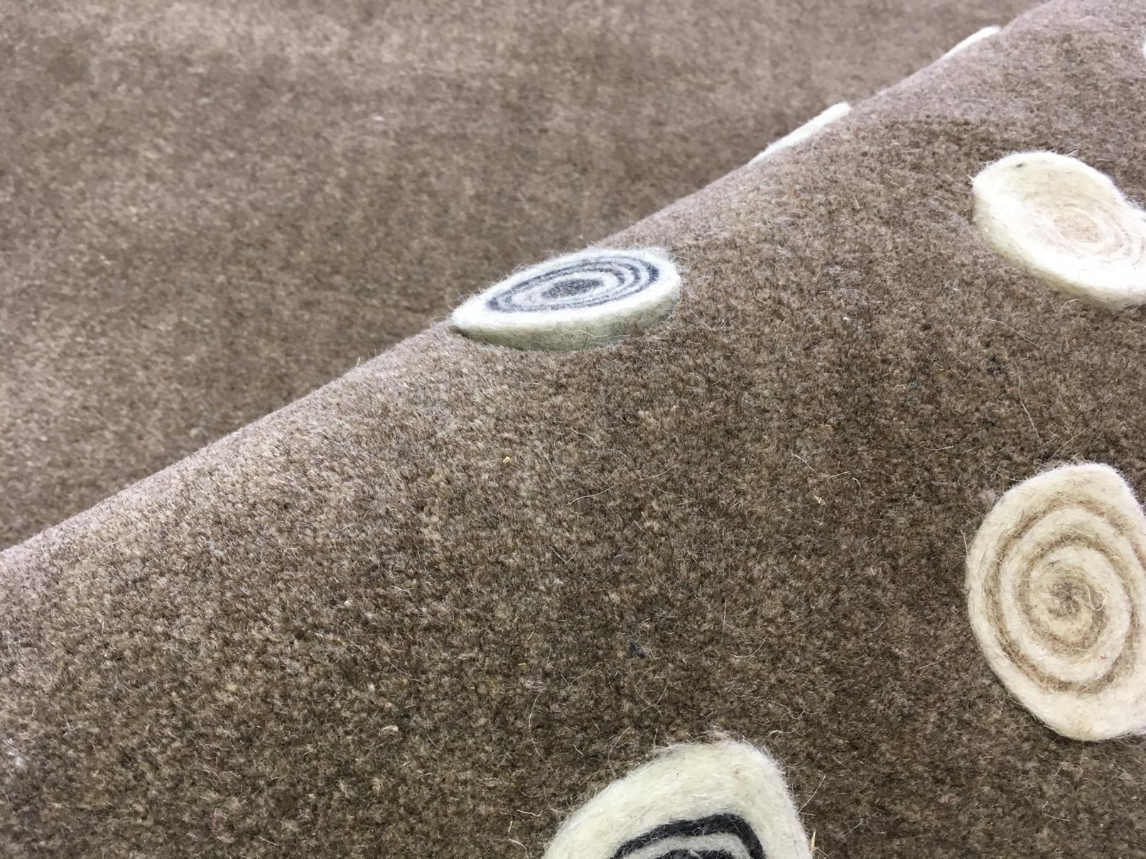 indický ručně tkaný koberec